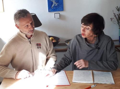 Prof - Géraldine with student